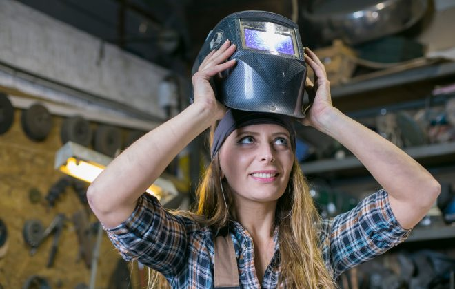 Features To Consider In Auto-darkening Welding Helmets