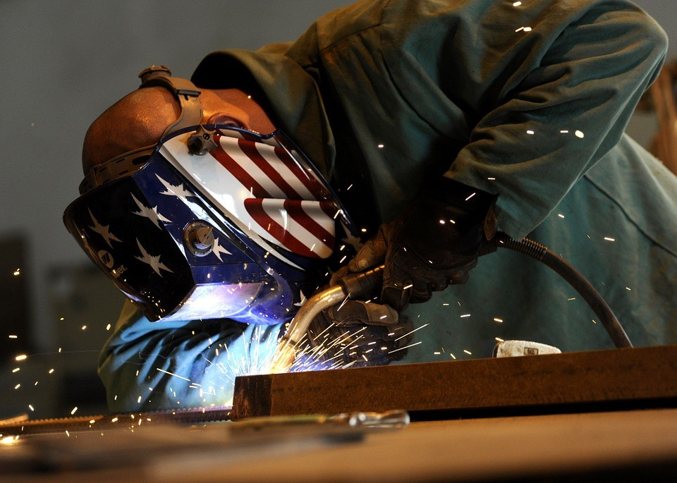 8 Best Welding Tips and Tricks for Beginners - Safety first! - WeldingMachineReview.com